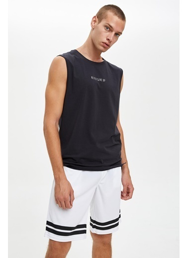 Defacto –Fit Şerit Detaylı Slim Fit Sporcu Şort Beyaz